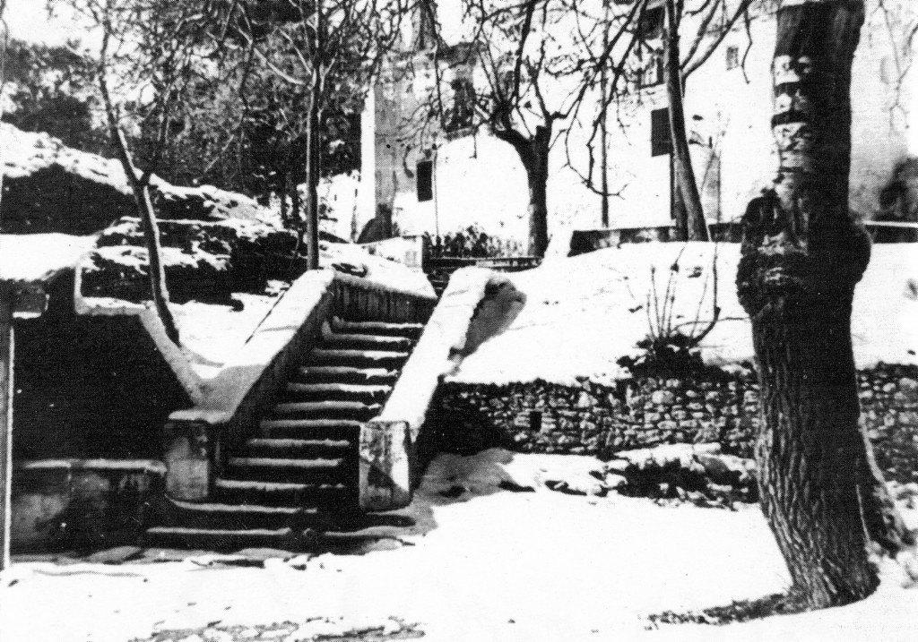 Imatge 4. L'ermitori de la Mare de Déu de Gràcia després de la nevada de gener de 1946.
