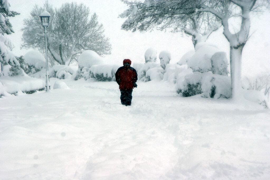 Morella ha acumulat fins a mig metre de neu. Font: @miguelagost